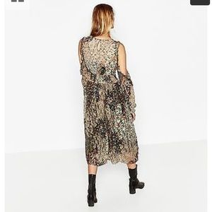 Zara Dresses - Zara lace floral cold shoulder midi dress
